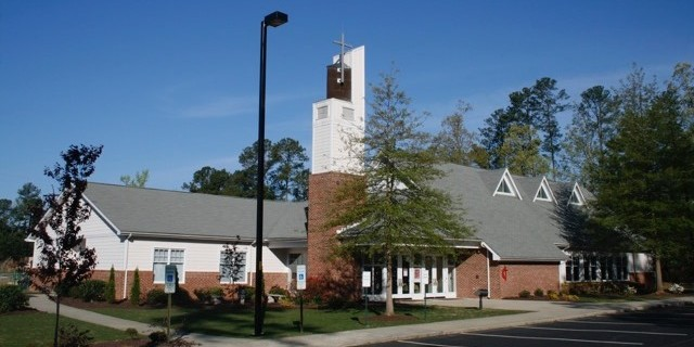 Come Worship with us on Sundays: 8:30am Praise and Worship Service and 11:00am Traditional Service